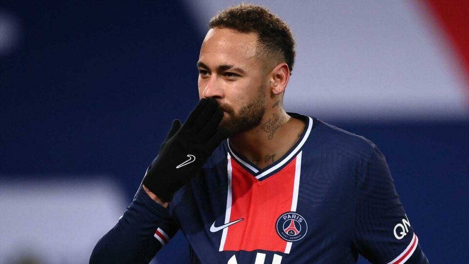 Barcelona May Sign Neymar for €100m