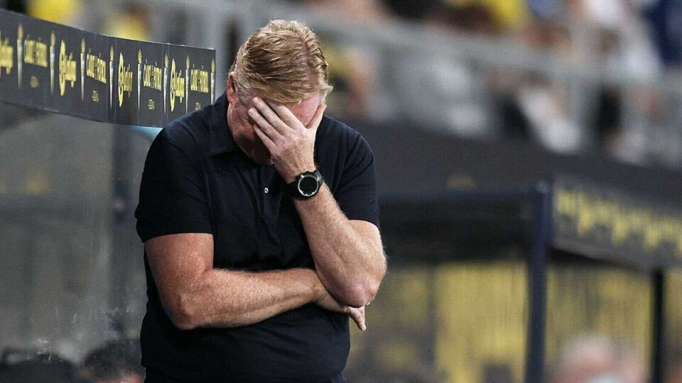 Koeman Is Unhappy with a Red Card in the 0-0 Draw with Cadiz